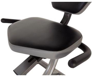Fitness Reality R400 Recumbent Bike cushioned seat