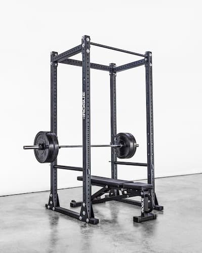 The RML-390F has self-stabilizing flat feet; it's not compact but it is freestanding