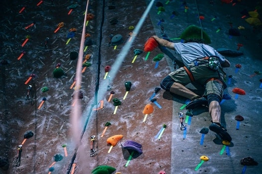 Rock climbers also use chalk, but they tend to employ a pinch grip