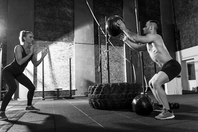 Join us as we review the 6 best medicine balls that you can use for a killer workout